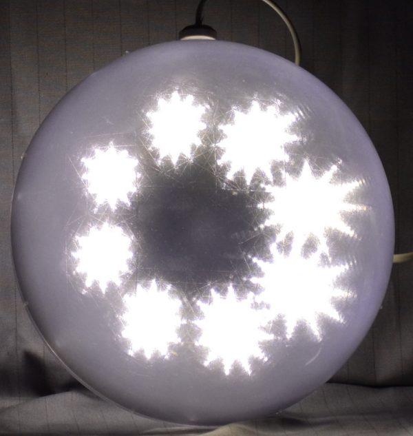 LED bal met ster patroon, warm wit 15cm.-0