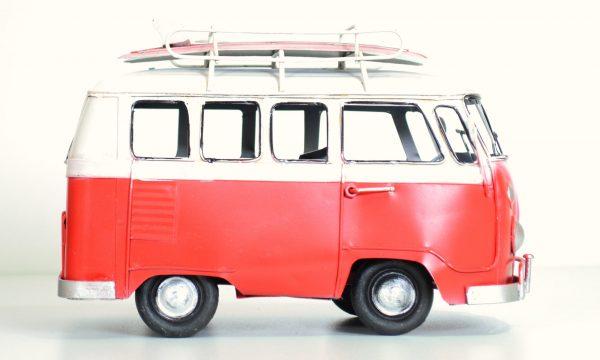 Rode vintage bus met surfplank 20CM-421