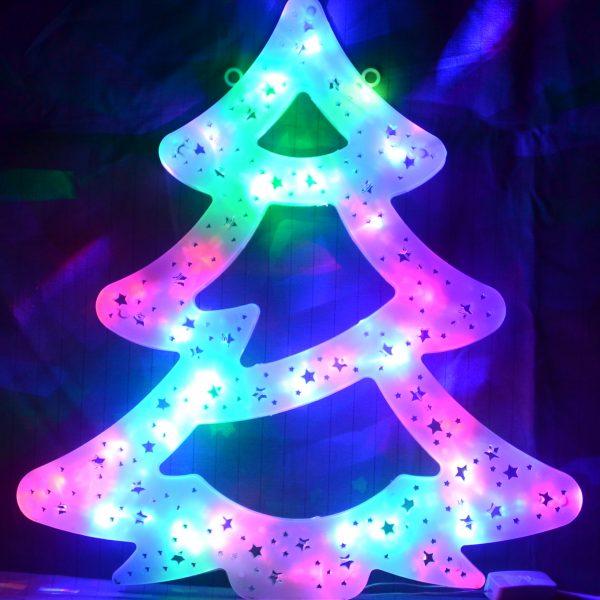 Kerstboom met gekleurde LED