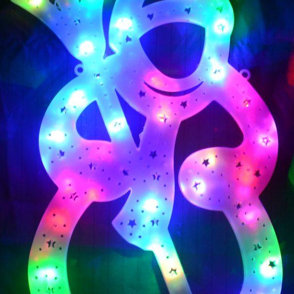 Sneeuwpop met gekleurde LED