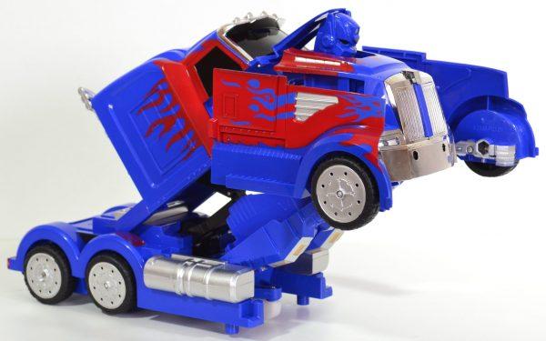 Transformation vrachtwagen blauw/rood