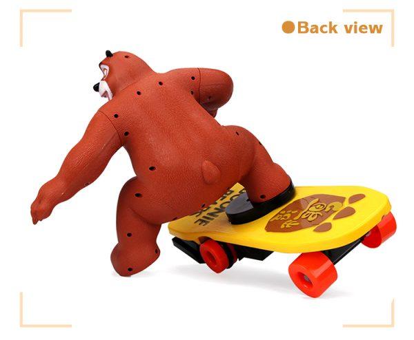 Stunt beer op skateboard-967